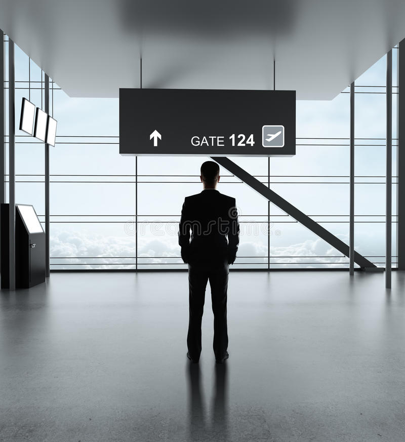Mens in luchthaven royalty-vrije stock fotografie