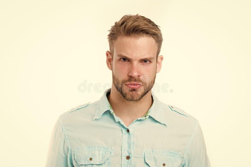Mens met baard op ernstig gezicht dat op witte achtergrond wordt geïsoleerd Knappe mens in blauw overhemd, manier Gebaard en modi stock foto's