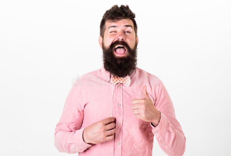 Mens met modieuze baard en snor die grappig gezicht maken Gebaarde mens met gelukkig gezicht die rood document houden bowtie, par royalty-vrije stock foto's