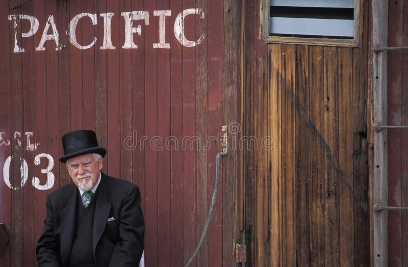 Mens met oud-manierkleding, westelijke Verenigde Staten royalty-vrije stock afbeelding