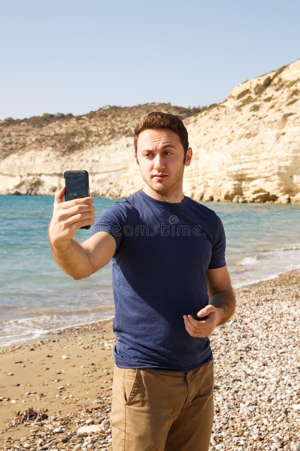 Mens met smartphone royalty-vrije stock foto's