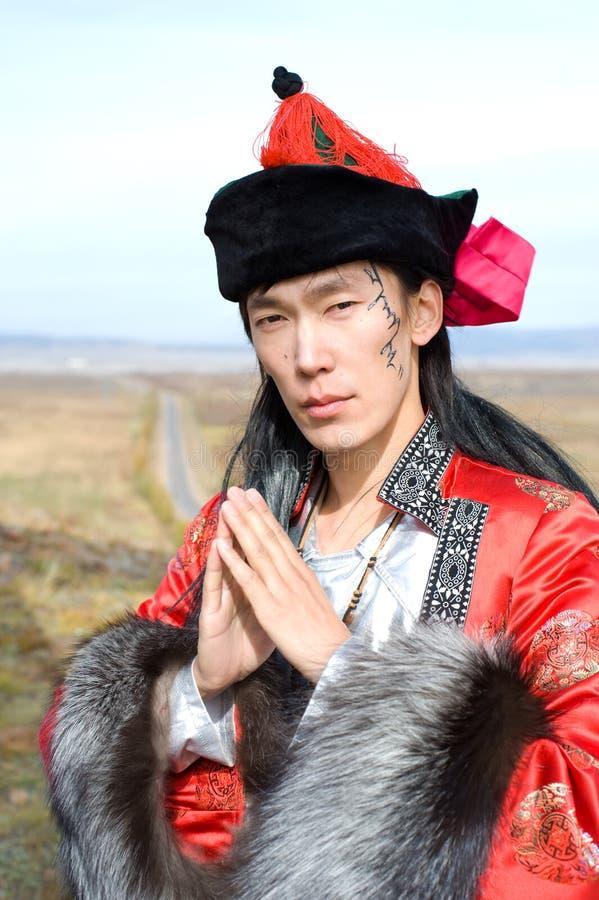 Mens in Mongools kostuum royalty-vrije stock fotografie