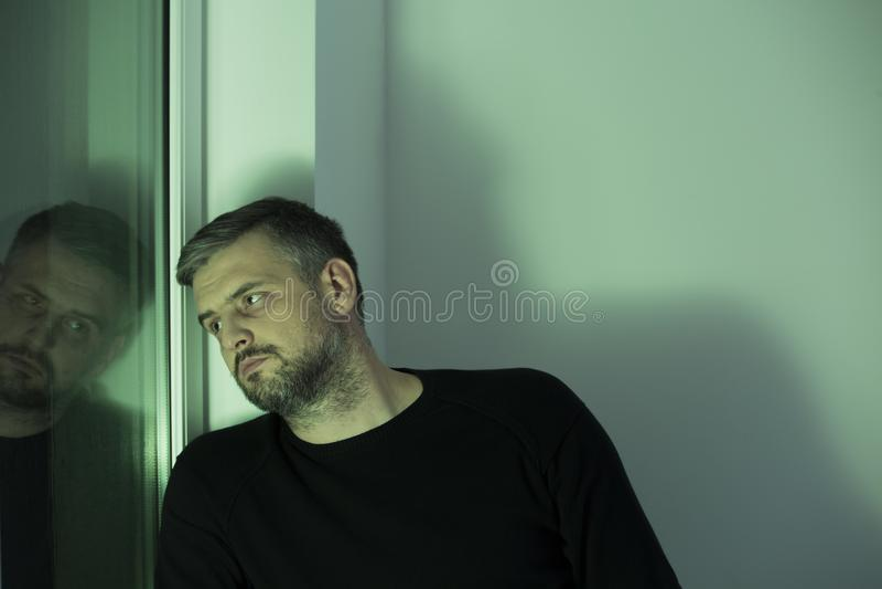 Mens in rehabcentrum royalty-vrije stock foto's
