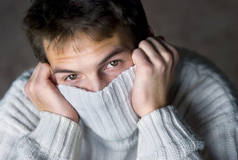 Mens in sweater royalty-vrije stock fotografie