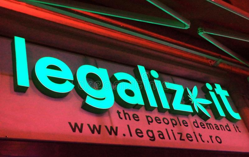 Mensaje a favor de la legalización de la marijuana imágenes de archivo libres de regalías