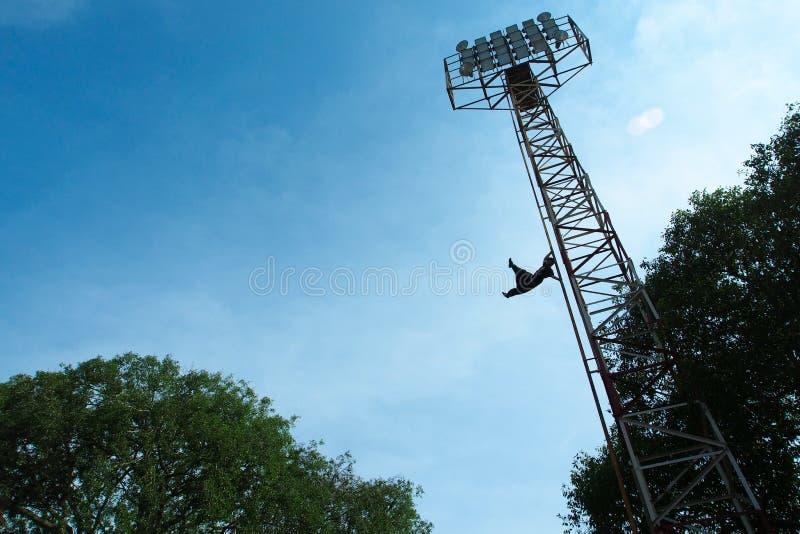 Menschliche Flagge an Sriwedari-Turm lizenzfreie stockfotos