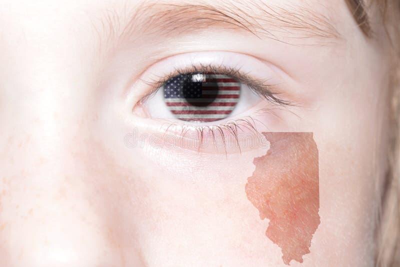 Menschliches ` s Gesicht mit Staatsflagge von Staaten von Amerika und Illinois geben Karte an lizenzfreies stockbild