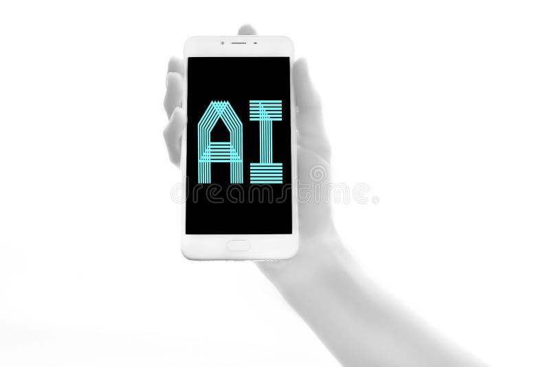 Menselijke bionische hand die elektronisch apparaat op witte achtergrond houden Kunstmatige intelligentie Futuristisch Concept stock foto