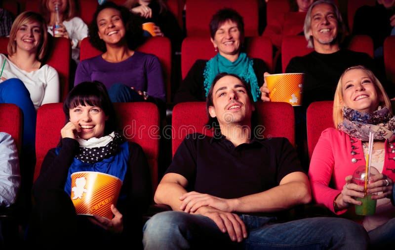 Mensen bij de bioskoop stock fotografie