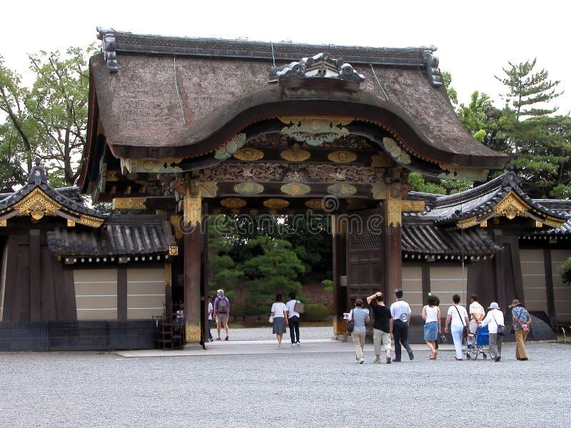 Mensen bij de tempel royalty-vrije stock foto