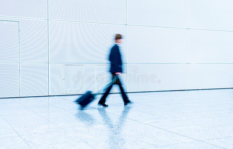 Download Mensen Bij Een Handelsbeurszaal Stock Foto - Afbeelding bestaande uit zaken, toon: 107700612