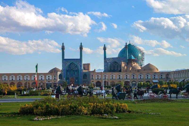 Mensen bij Imam vierkant stock afbeeldingen