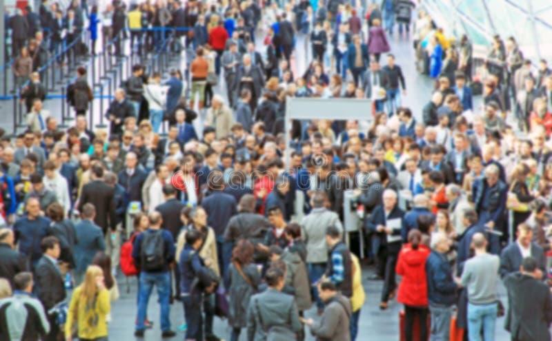 Download Mensen Die, Achtergrond Lopen Stock Afbeelding - Afbeelding bestaande uit personen, tijd: 39100595