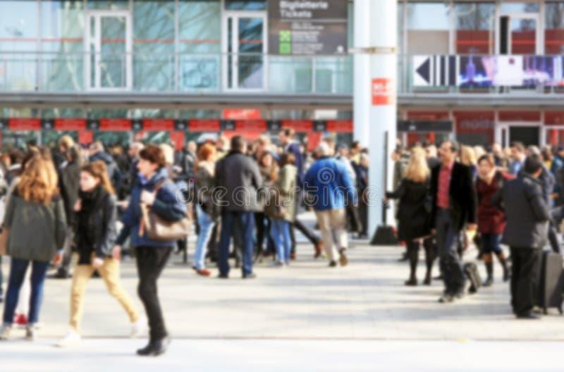 Download Mensen Die, Achtergrond Lopen Stock Foto - Afbeelding bestaande uit humanity, mensen: 39101058