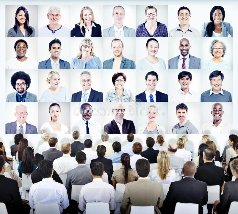 Mensen die met Reeks Gezichten Bedrijfs van Mensen zitten royalty-vrije stock foto