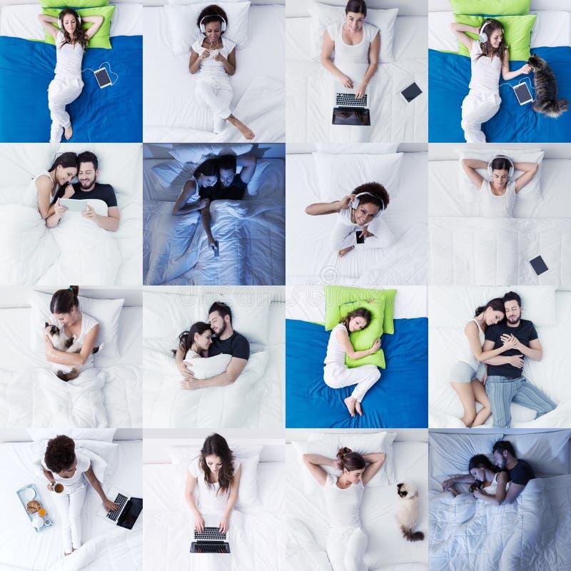 Mensen die op bed en slaapkamerlevensstijl liggen stock fotografie