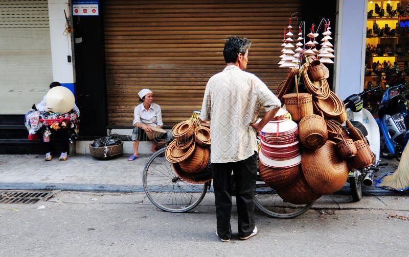 Mensen die op straat in Sapa, Vietnam verkopen royalty-vrije stock foto