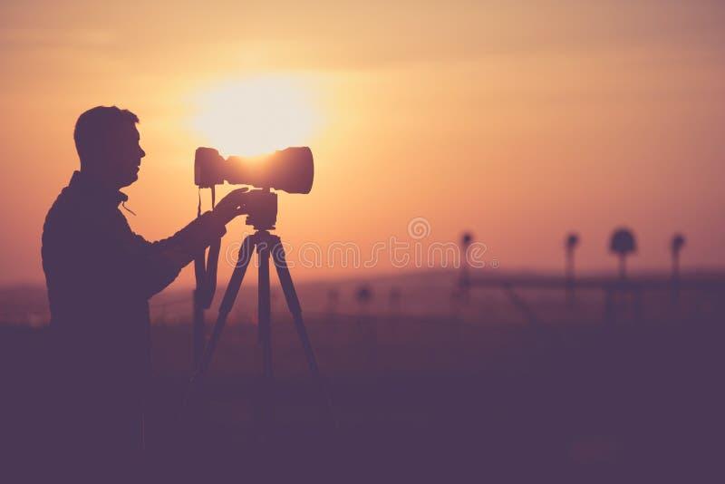 Mensen die Openluchtbeelden nemen stock foto's