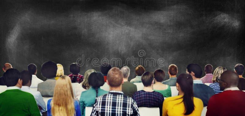 Mensen die van de publieks de Toevallige Diversiteit Concept ontmoeten stock afbeelding