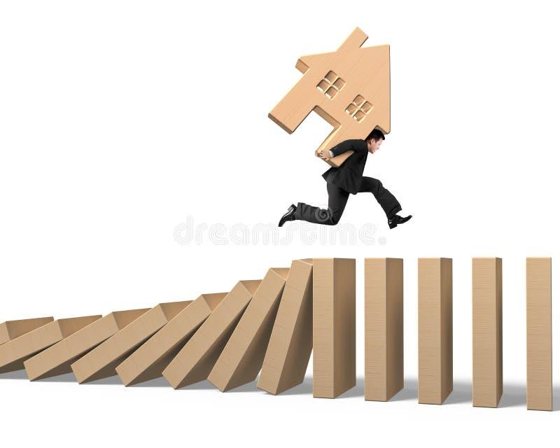 Mensen dragend blokhuis die op dalende houten domino's lopen stock afbeeldingen