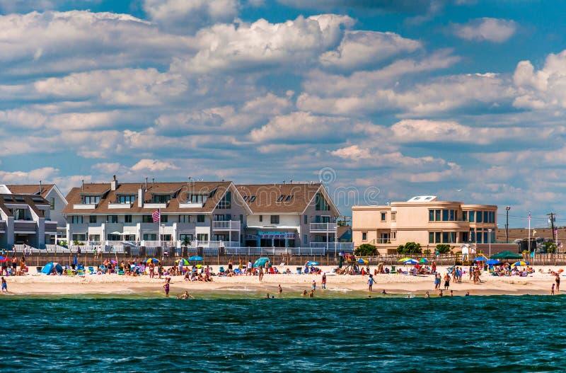 Mensen en gebouwen op het strand in Punt Prettig Strand, Nieuw J royalty-vrije stock foto's