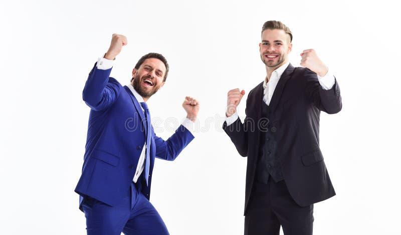 Mensen gelukkige viert emotioneel voordelige overeenkomst Lancerings eigen zaken Bedrijfs succes De partners vieren royalty-vrije stock afbeeldingen