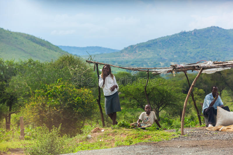 Mensen in Kenia, de zwarte mensen, het leven van mensen in Afrika stock afbeeldingen