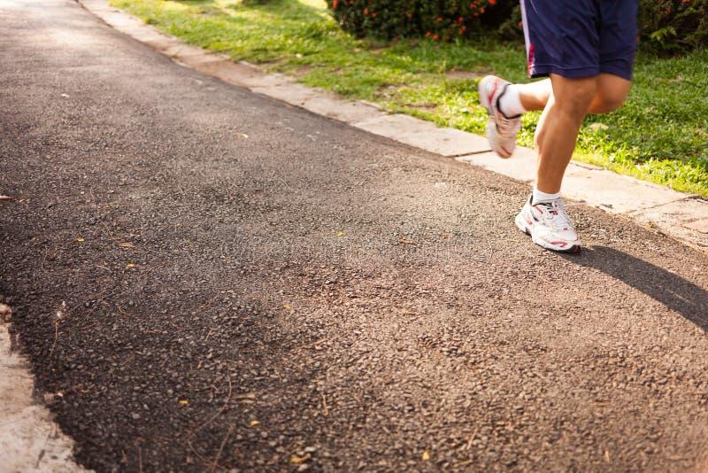 Mensen lopende jogging op straat stock afbeelding