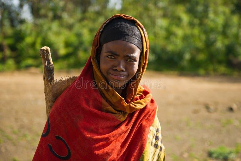 Mensen in OMO, ETHIOPIË stock fotografie