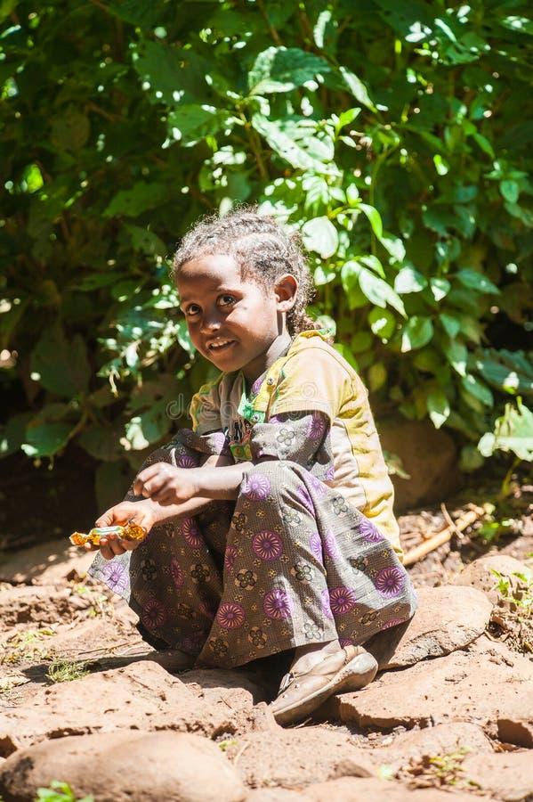 Mensen in OMO, ETHIOPIË stock foto's