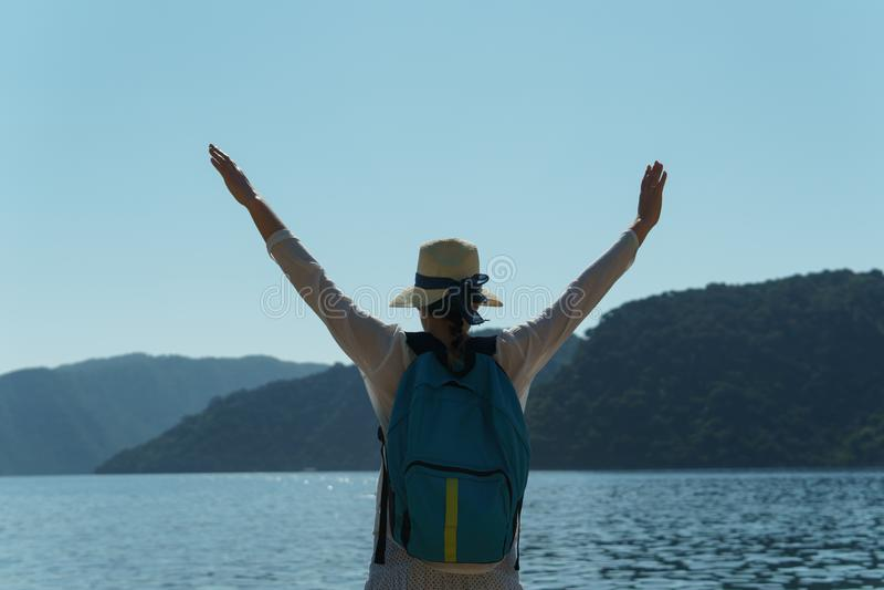 Mensen op vakantie in warme landen stock fotografie