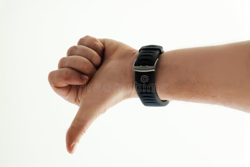 Mensen` s hand met slim horloge op witte achtergrond Beduimelt neer Menselijke emotie stock afbeeldingen