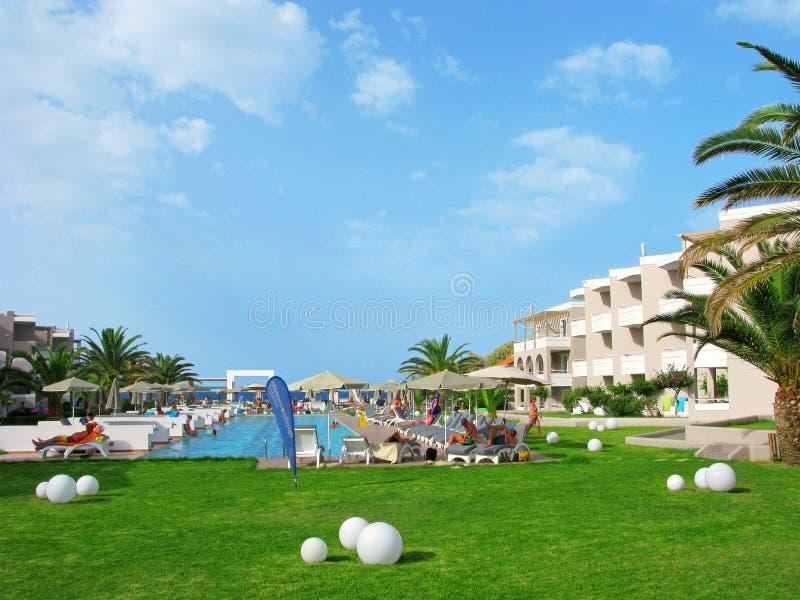 Mensen, vakantiehotel, Platanias-toeristentoevlucht, Kreta, Griekenland stock afbeelding