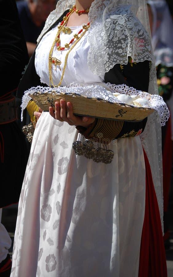 Mensen van Sardinige - kostuum van Thiesi royalty-vrije stock fotografie
