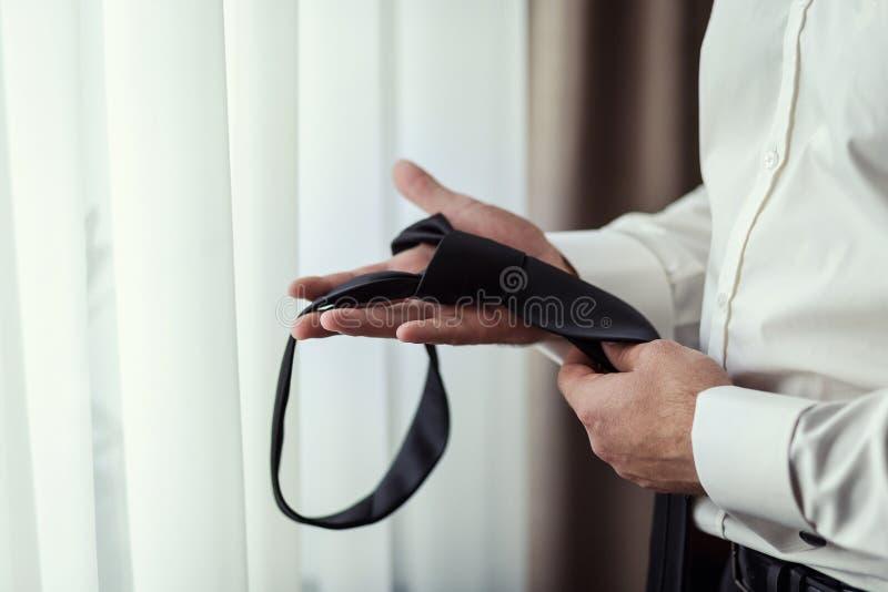 Mensen, zaken, manier en kledingsconcept - sluit omhoog van de mens stock afbeelding