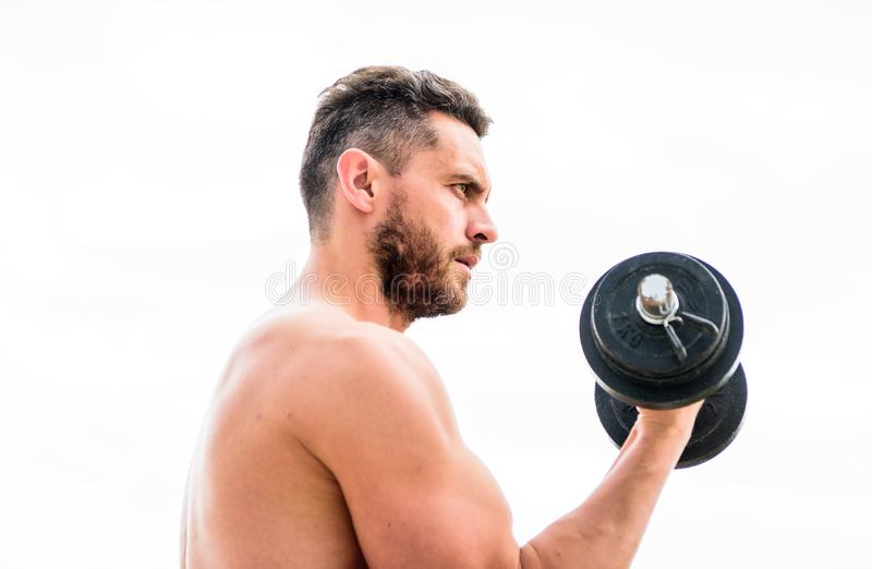 Mensensportman met sterke handen stero?den Atletisch lichaam Domoorgymnastiek Fitness en sport Spiermens die binnen uitoefenen stock afbeeldingen