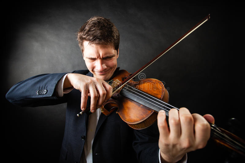 Mensenviolist het spelen viool Klassiek muziekart royalty-vrije stock fotografie