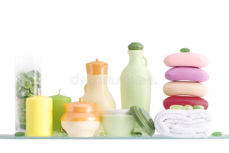 Mensola in una stanza da bagno immagine stock