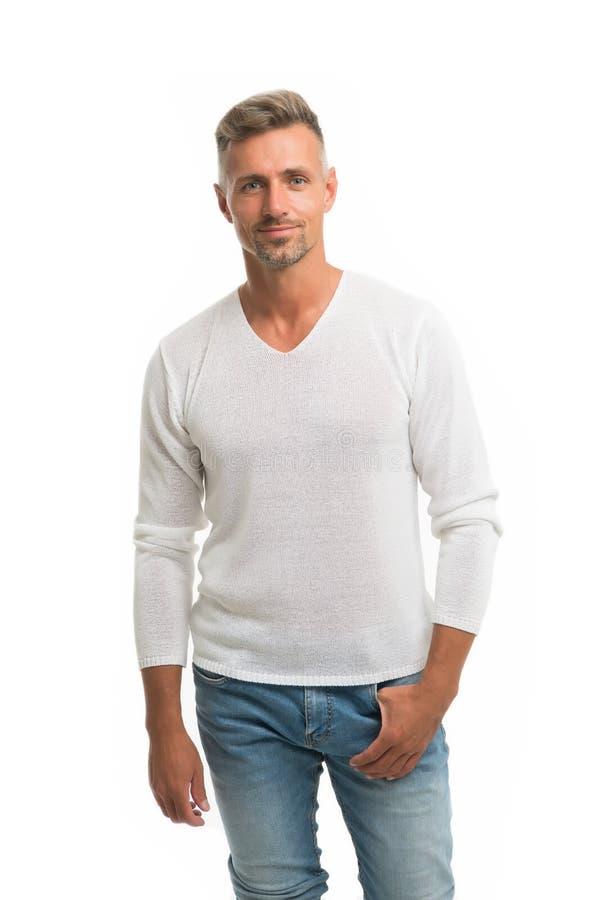 Menswear en modieuze kleding Mensen kalm gezicht die vol vertrouwen witte achtergrond stellen De mens kijkt knap in toevallig ove royalty-vrije stock foto