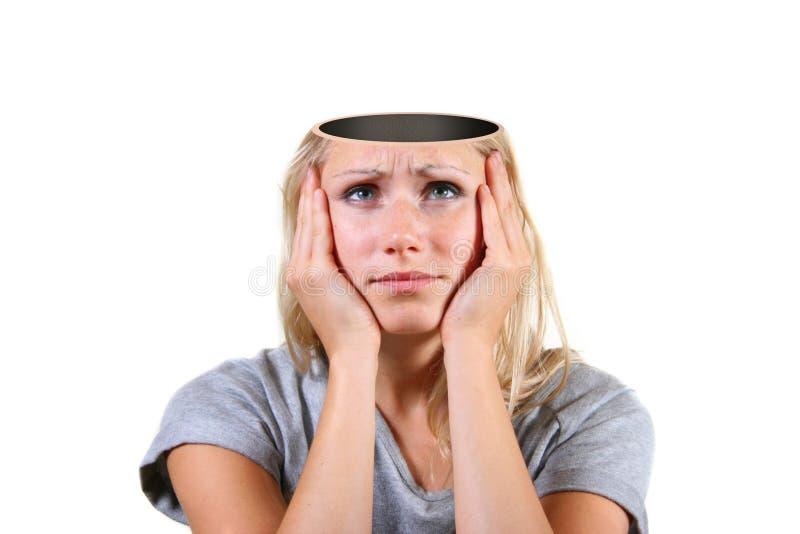 Mente abierta. mujer con el agujero grande en la pista imagenes de archivo