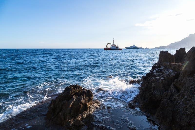 Menton附近法国里维埃拉的地中海海岸景观 库存照片
