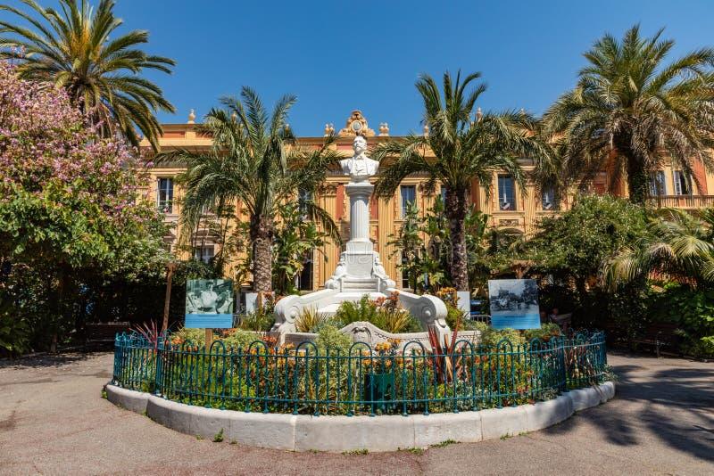 MENTON FRANCJA, CZERWIEC, - 05, 2019: Stara grodzka architektura Menton na Francuskim Riviera Cote d ` Azur, Francja obrazy royalty free