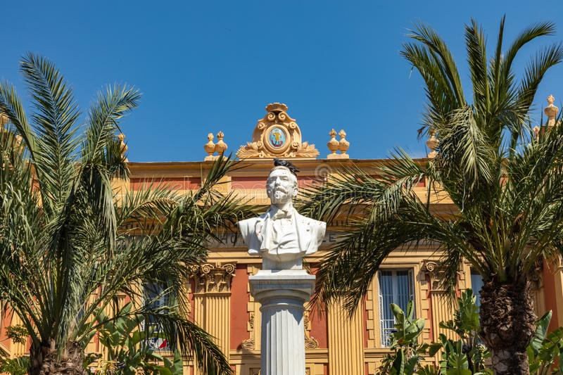 MENTON FRANCJA, CZERWIEC, - 05, 2019: Stara grodzka architektura Menton na Francuskim Riviera Cote d ` Azur, Francja fotografia stock