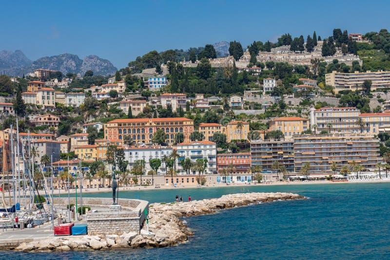 MENTON FRANCJA, CZERWIEC, - 05, 2019: Stara grodzka architektura Menton na Francuskim Riviera Cote d ` Azur, Francja fotografia royalty free