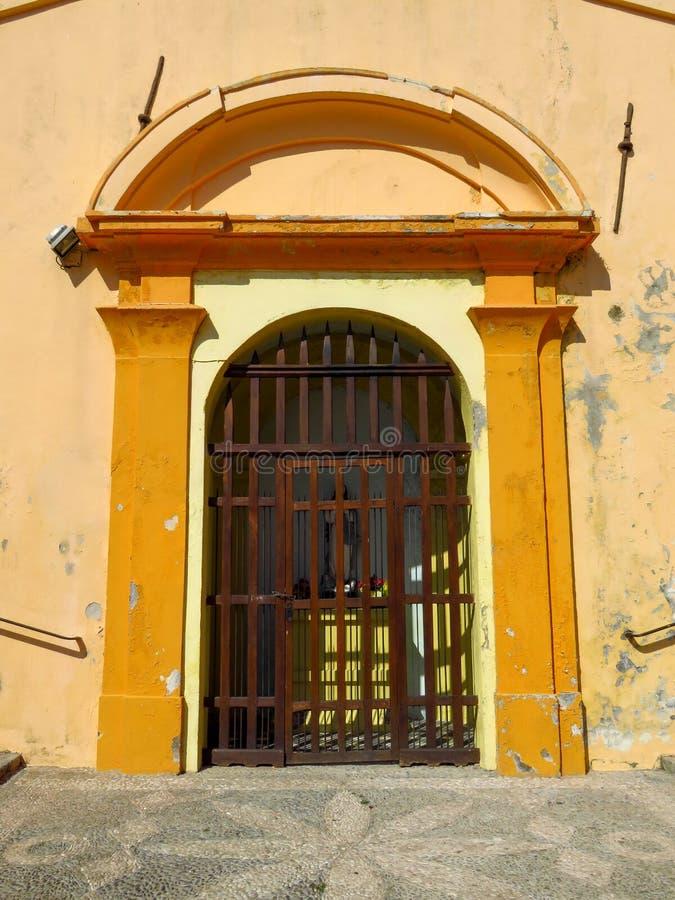Menton - wejście kaplica Niepokalany poczęcie zdjęcie stock