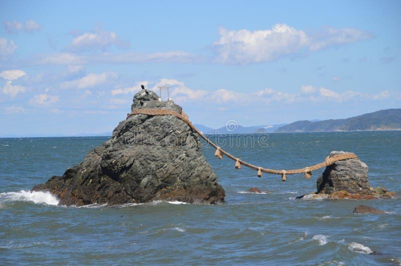 Meoto Iwa Poślubiał skały Przy Ise Japonia 2016 obrazy royalty free