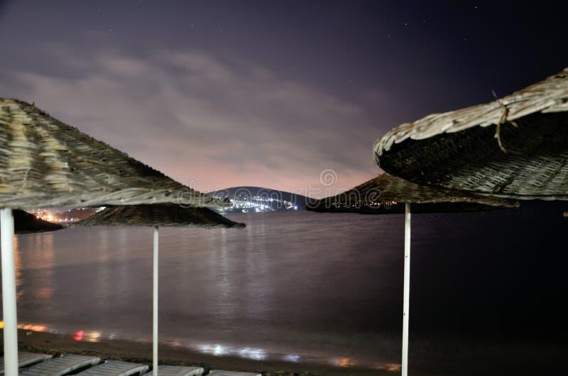 Mer Égée par nuit dans Kusadasi, Turquie image stock