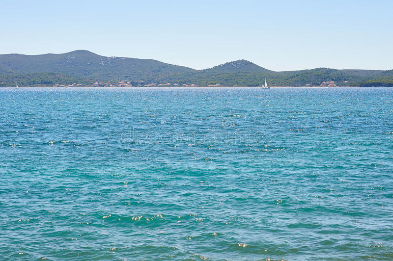 Download MER ADRIATIQUE photo stock. Image du ciel, couleur, croatia - 76080946