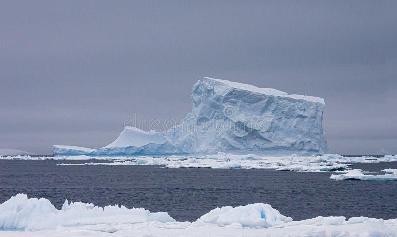 Mer Antarctique, IJsberg Wedell Zee Antarctique de Wedell d'iceberg image stock
