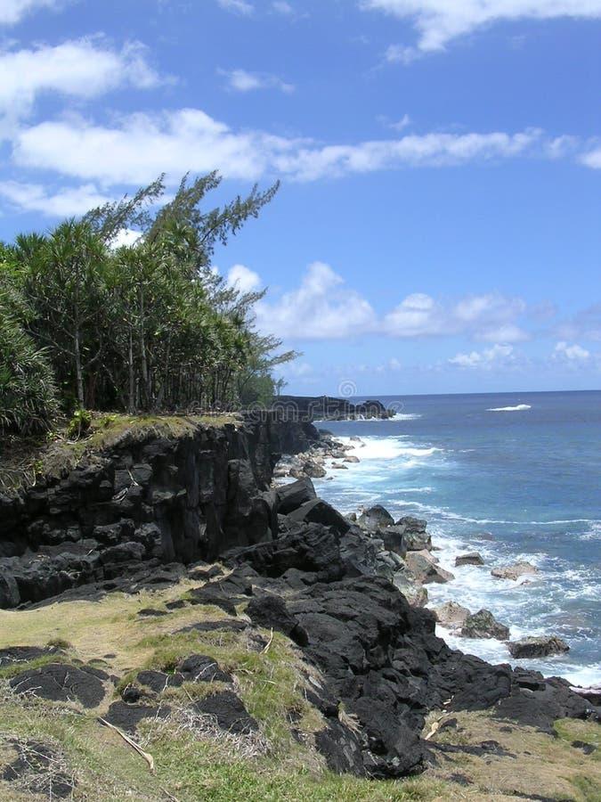 Mer, ciel et roches photographie stock libre de droits